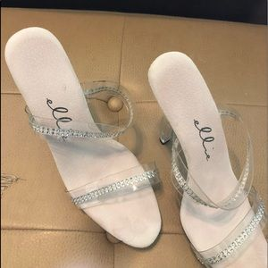 Posing shoes
